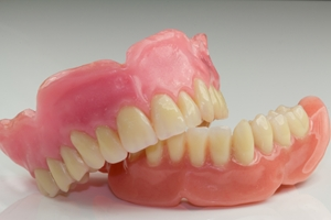 Todays-dentures-vary-according-to-need