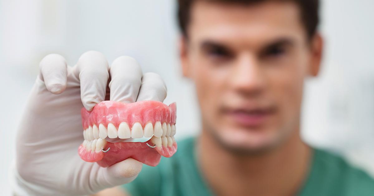 dca-blog-525-Dentures_1200x630